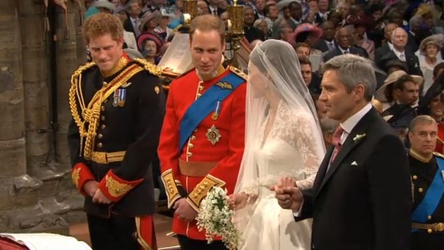 prince william tells catherine middleton she is beautiful at the altar royal wedding