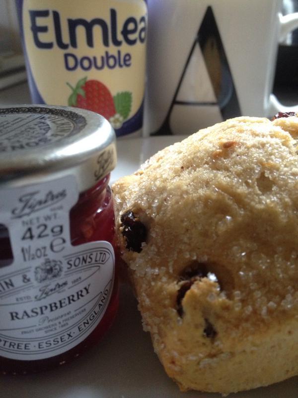 proper way to eat a scone jam cream