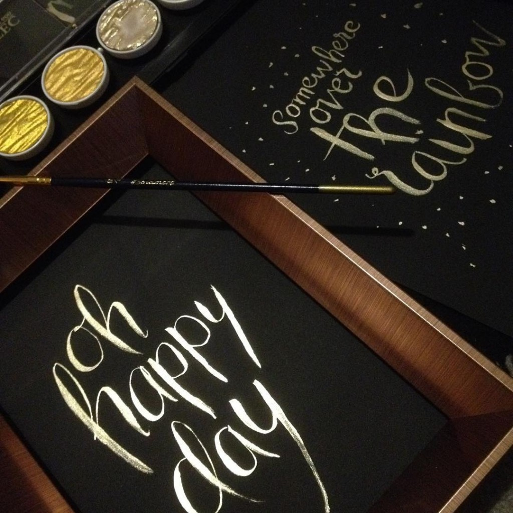 modern calligraphy - word art oh happy day quote ~ handlettered by Ms Moem, using the finetec metallic pearl palette in moon gold